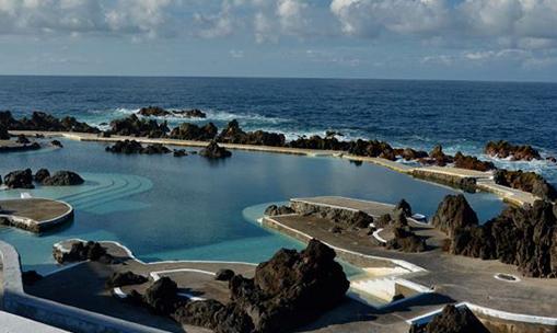 Lava Pools火山岩泳池